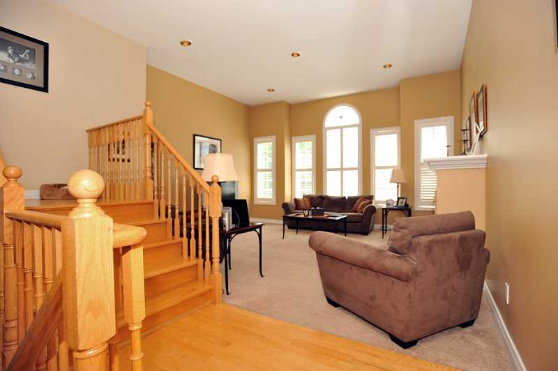 California Shutters, Gas Fireplace, Cathedral Ceiling, Broadloom, Family Room