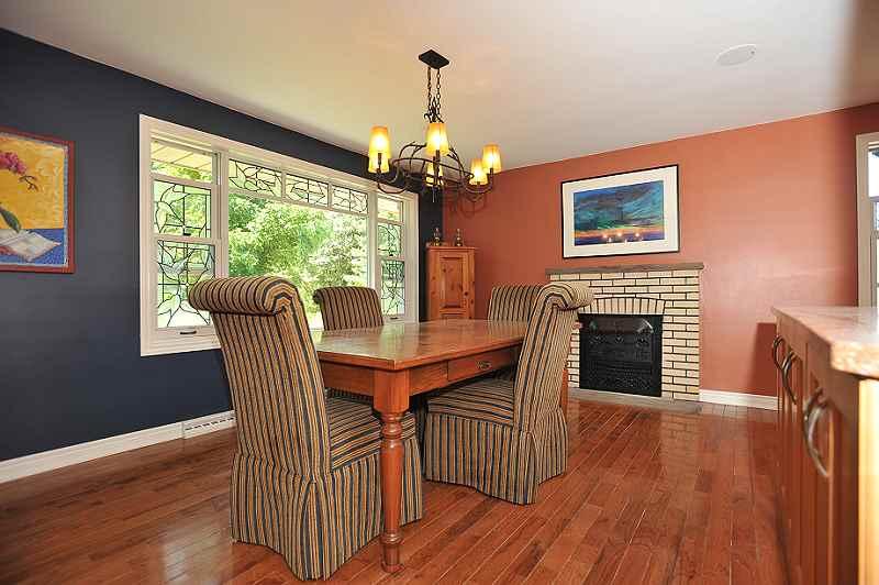 dining room, hardwood floors, fireplace