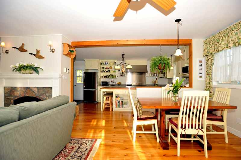 dining room has walk-out to greenhouse, walk-out to patio