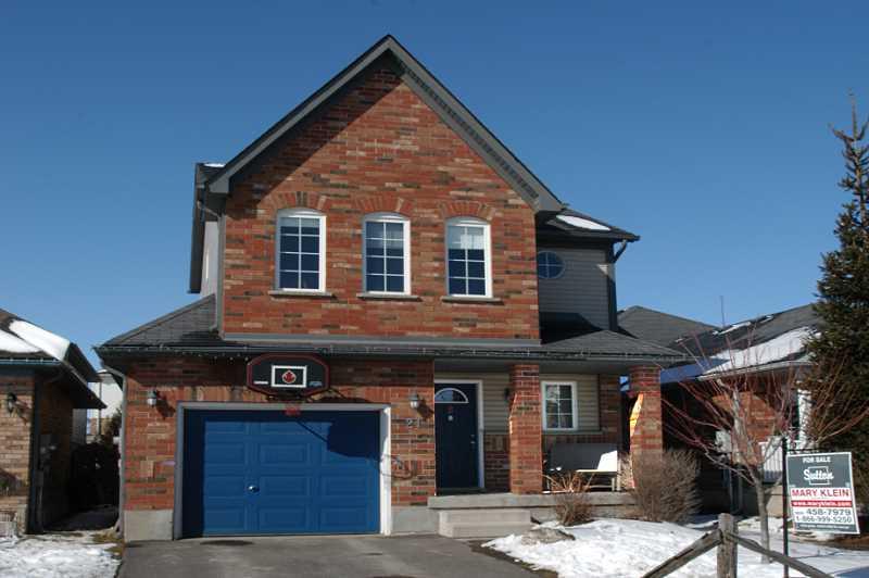 3 Bedroom, 2.5 Bathroom, Starter Home, Orangeville West end