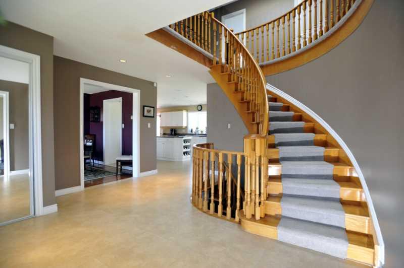 Open, Bright, Foyer, Porcelain Heated Floors, Hardwood