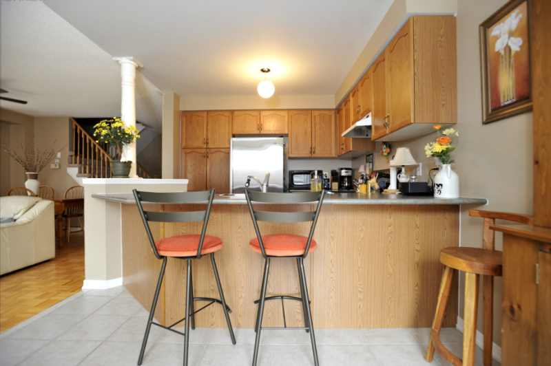 Eat-In Kitchen, Breakfast Bar, Open Concept
