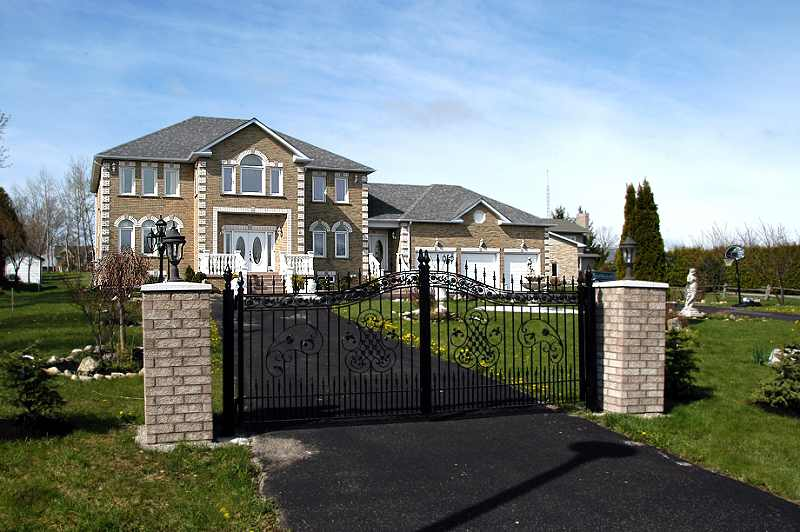 1.09 Acres, Caledon, 4 Bedroom, Family Home