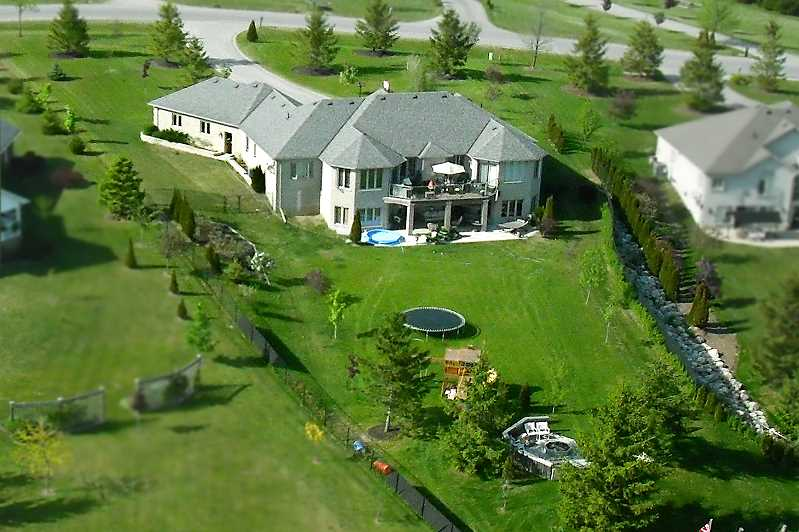 Sunvale, Bungalow, Orangeville, 3-car garage with stairs to basement, covered patio, and fenced backyard garden shed
