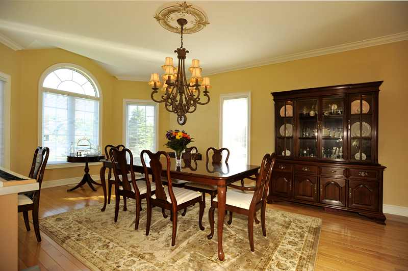 Dining Room hardwood flooring and crown mouldings