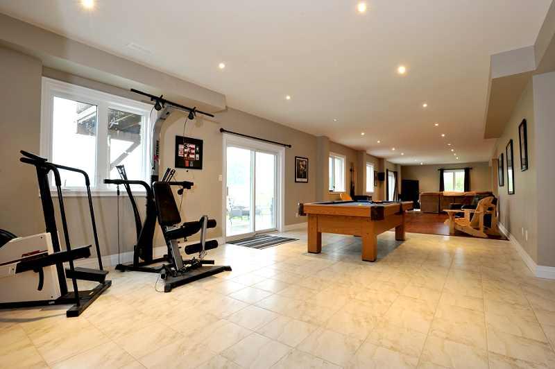 walk-out Basement  huge Rec Room ceramic flooring, laminate