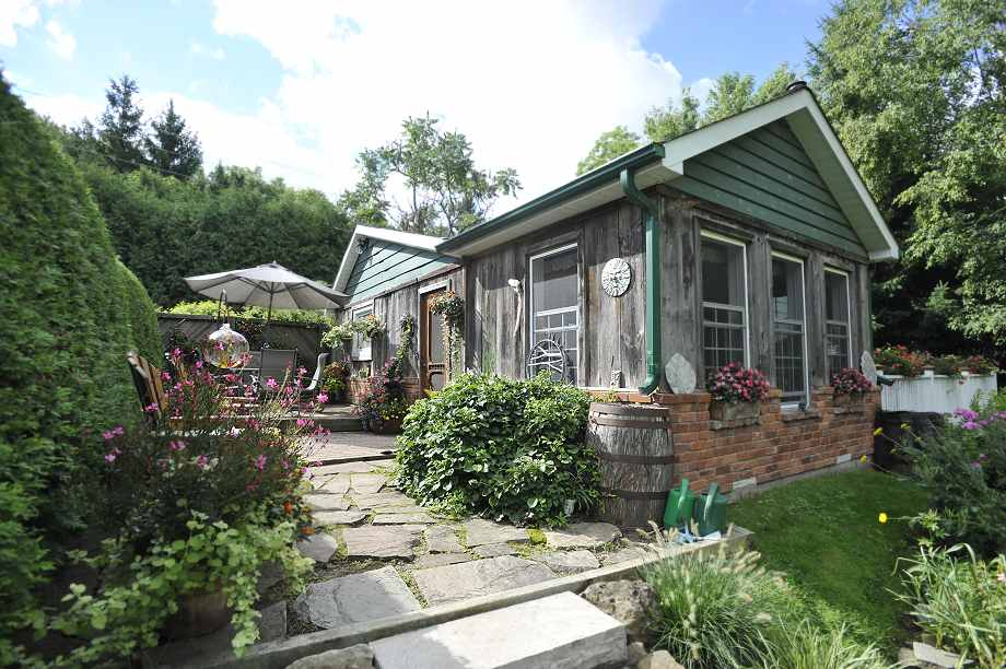 one-of-a-kind property in an excellent commuting area