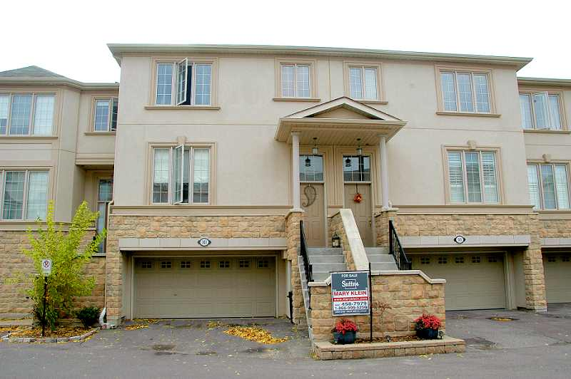 For sale, open concept, 2 bedroom townhouse for sale