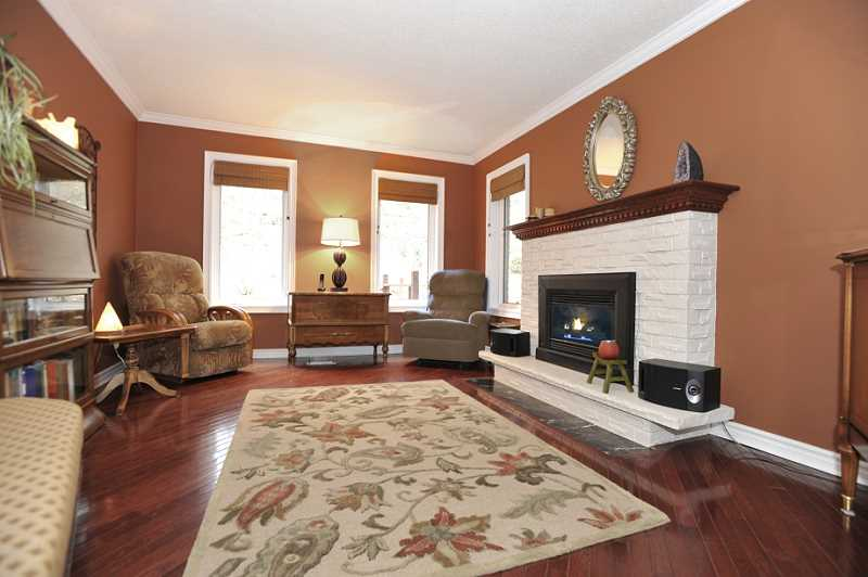 Family Room, Gas Fireplace, Hardwood, Crown Mouldings