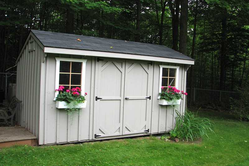 Storage Shed, lot size is 131 x 263 feet
