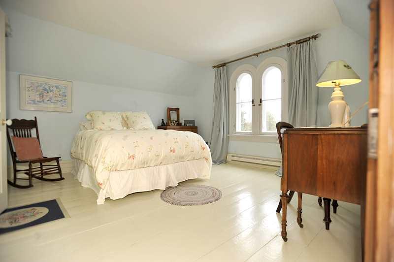 Master Bedroom, walk-in closet, shelving, painted plank flooring