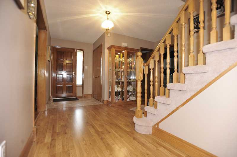 quality laminate, main floor, 4 bedrooms
