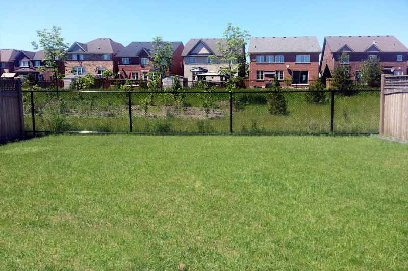 deck, strawberry fields subdivision, caledon