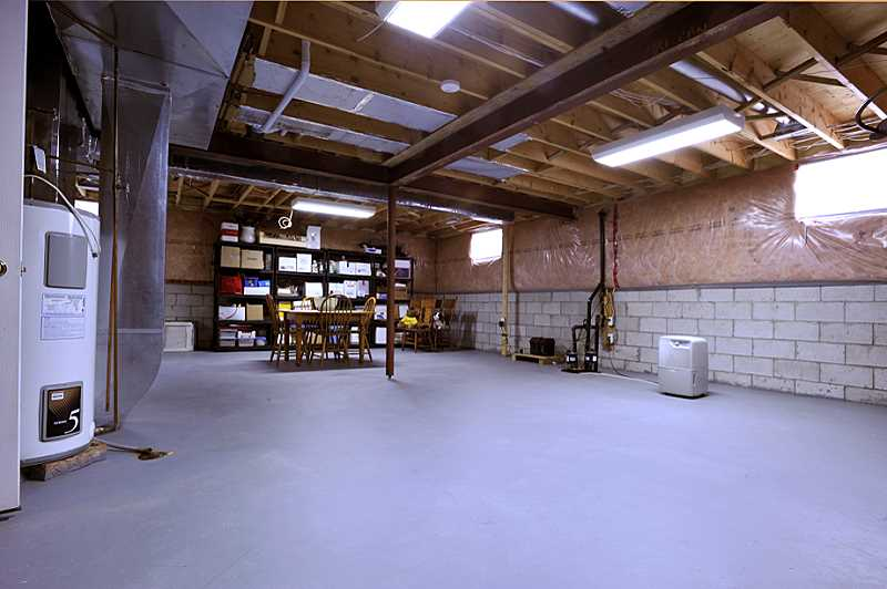 basement unfinished, 200 Amps, central vac, central Air