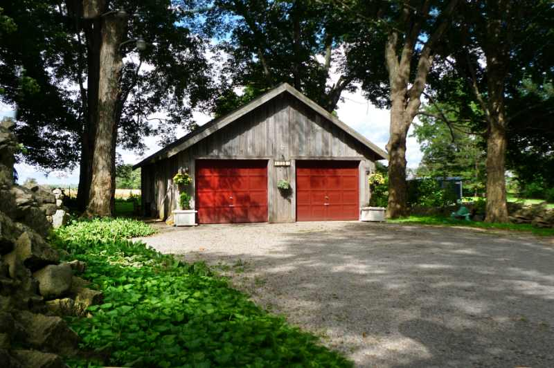 Detached 4-Car Garage, Shop