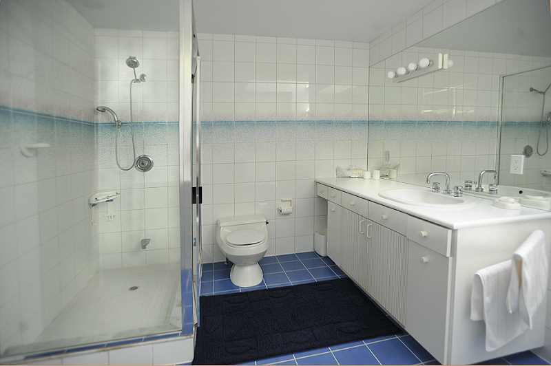 4-piece  Bathroom, separate shower and bath, all tiled