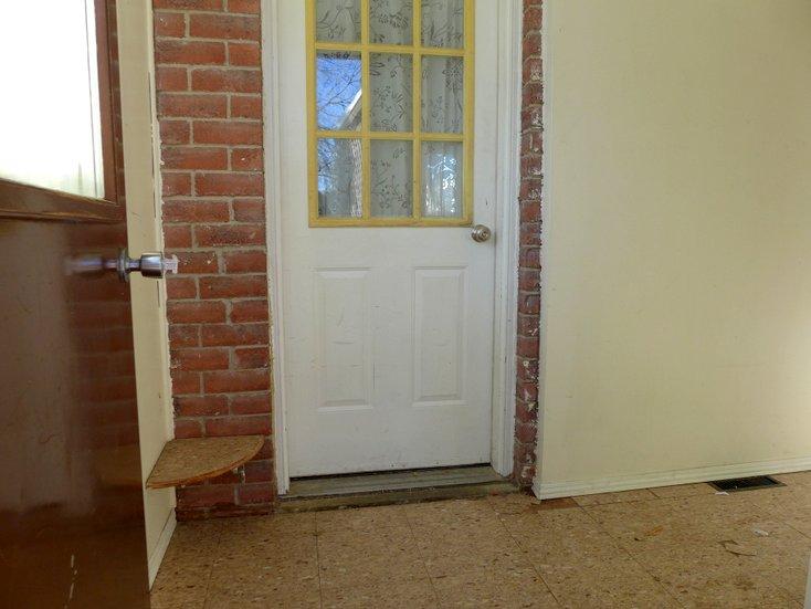 garage access, mud room