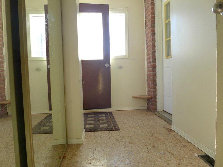 Mud room, garage access