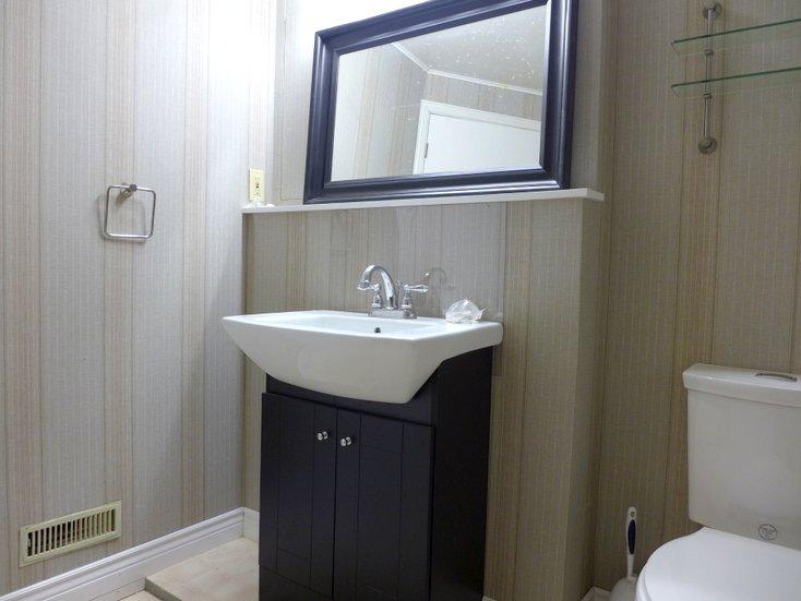 Bathroom, Basement