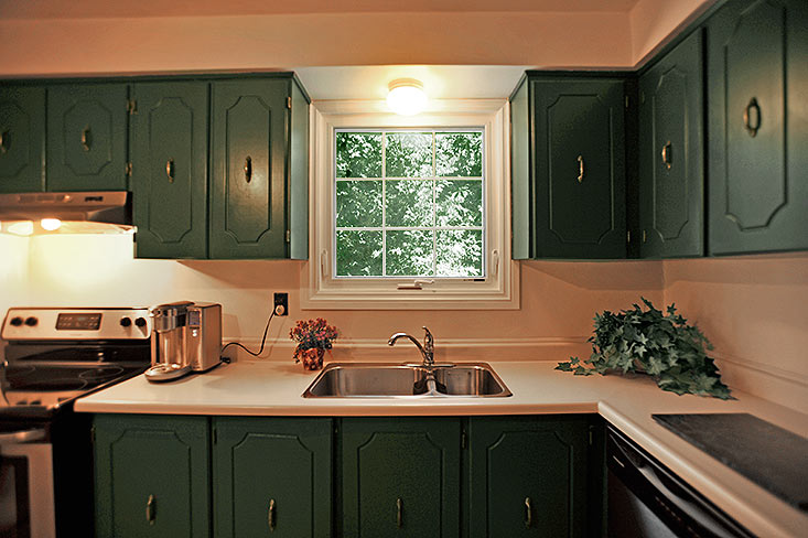 Country Kitchen, Stainless Steel Appliances