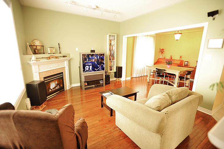Great Room, Open Concept, Hardwood