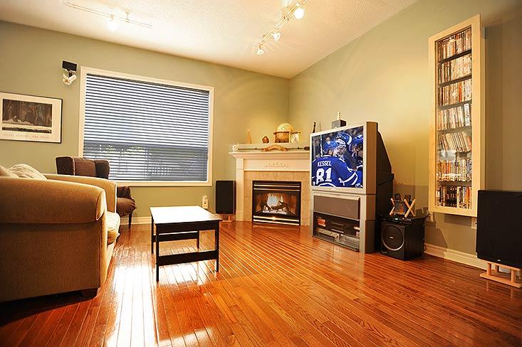 Great Room, hardwood floor, gas fireplace