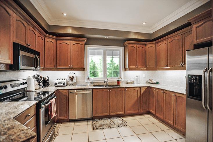 Kitchen, ceramic floors, pot lights