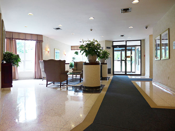Building Foyer, 10 Laurelcrest