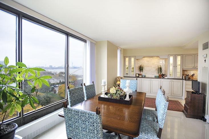 dining room, city views, humber river