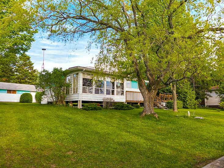 3 Bedroom Waterfront Cottage, For Sale, Lake Eugenia, Mary Klein
