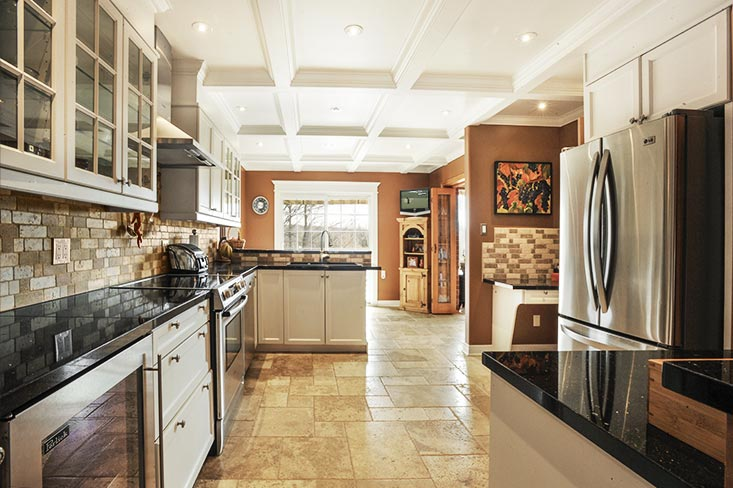 Kitchen, travertine, waffle ceiling