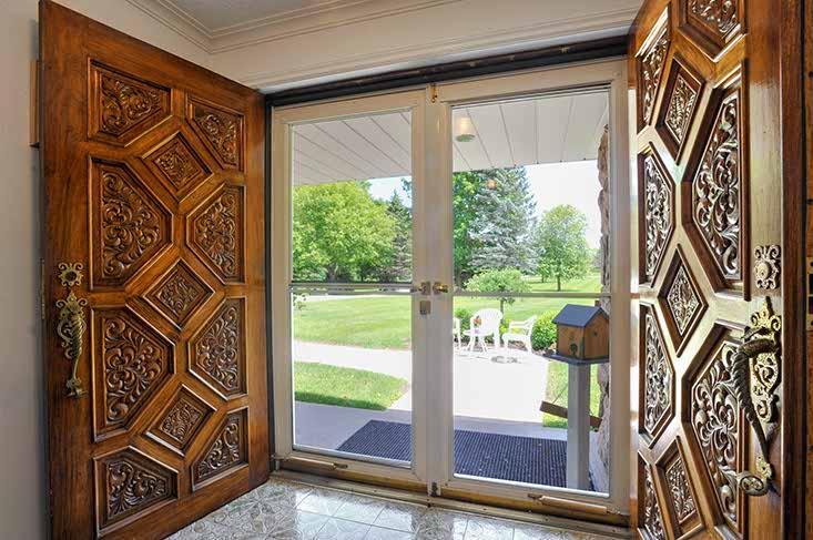 Foyer, oak doors, views,