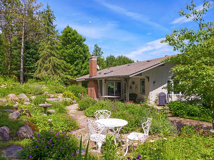 Patio Set, Gardens, Back of House