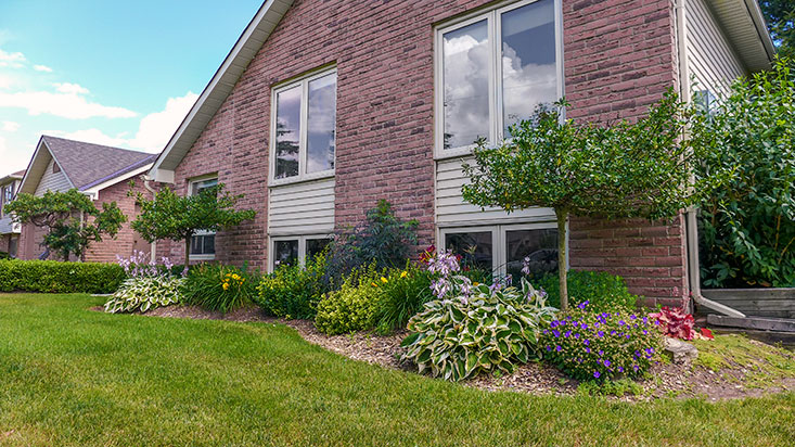 Perennial Gardens, Raised Bungalow, Caledon Village For Sale