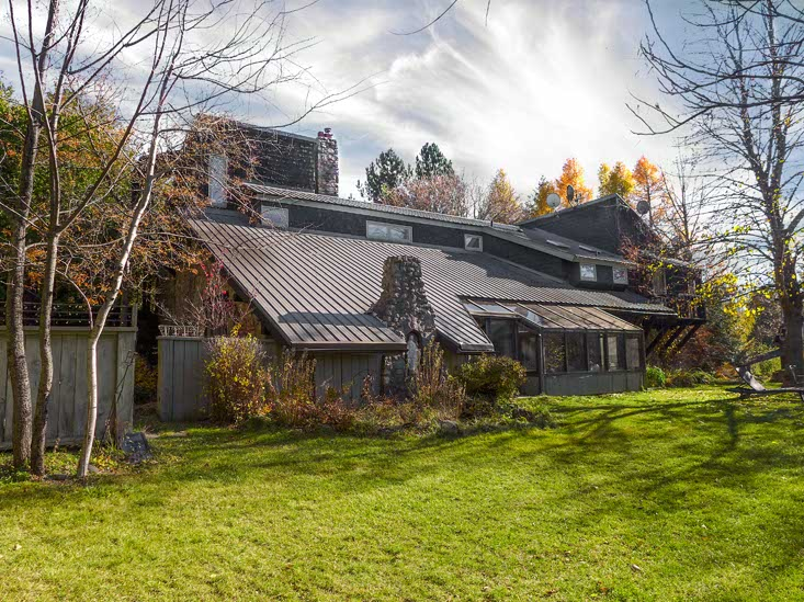 Back of House, Listed by Mary Klein, 833342 4th Line, Mono, Ontario