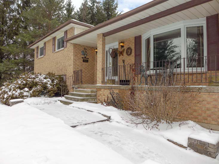 Entry, Caledon, 4 Bedroom Home for Sale, Mary Klein