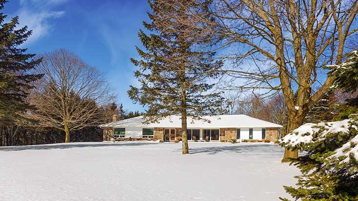 5 Bedroom Bungalow in Caledon For Sale