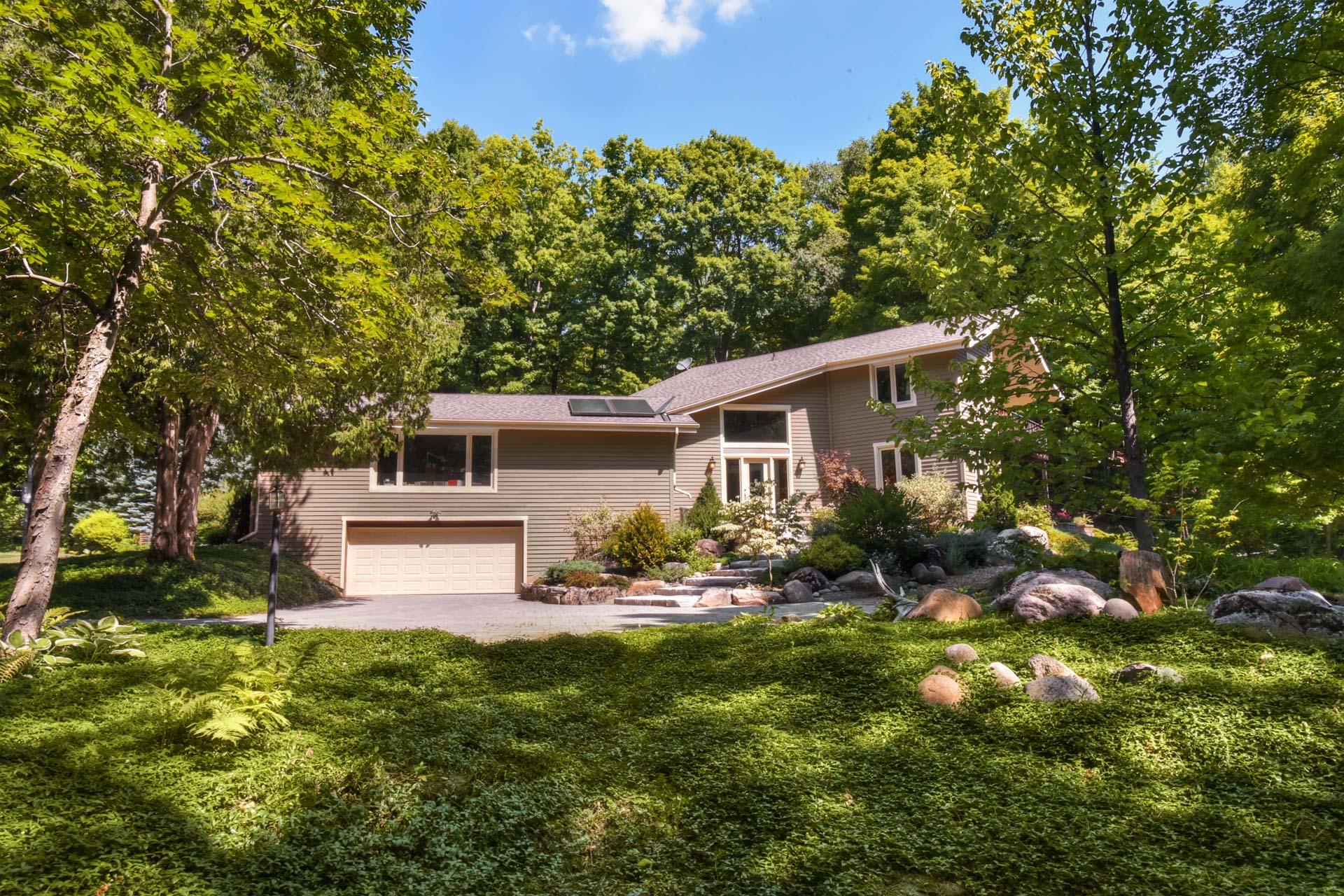 875257 5th Line E, Mono, Home for Sale, Mary Klein, Kaitlan Klein