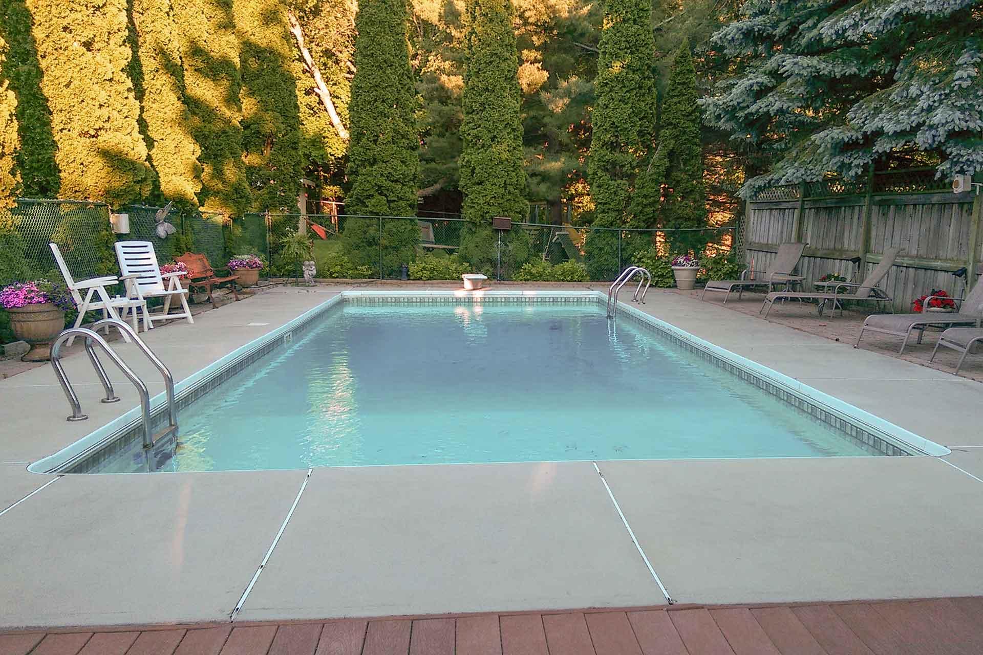 Inground pool, chlorine pool, caledon