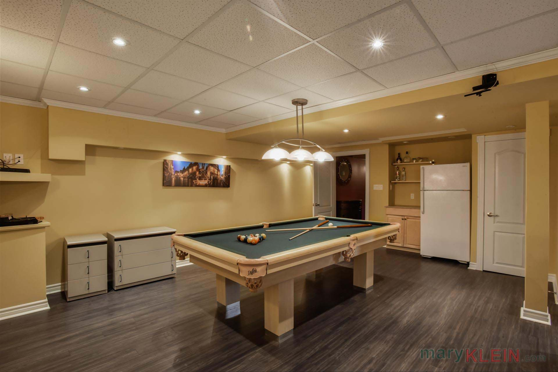 Games ROom, Pool Table