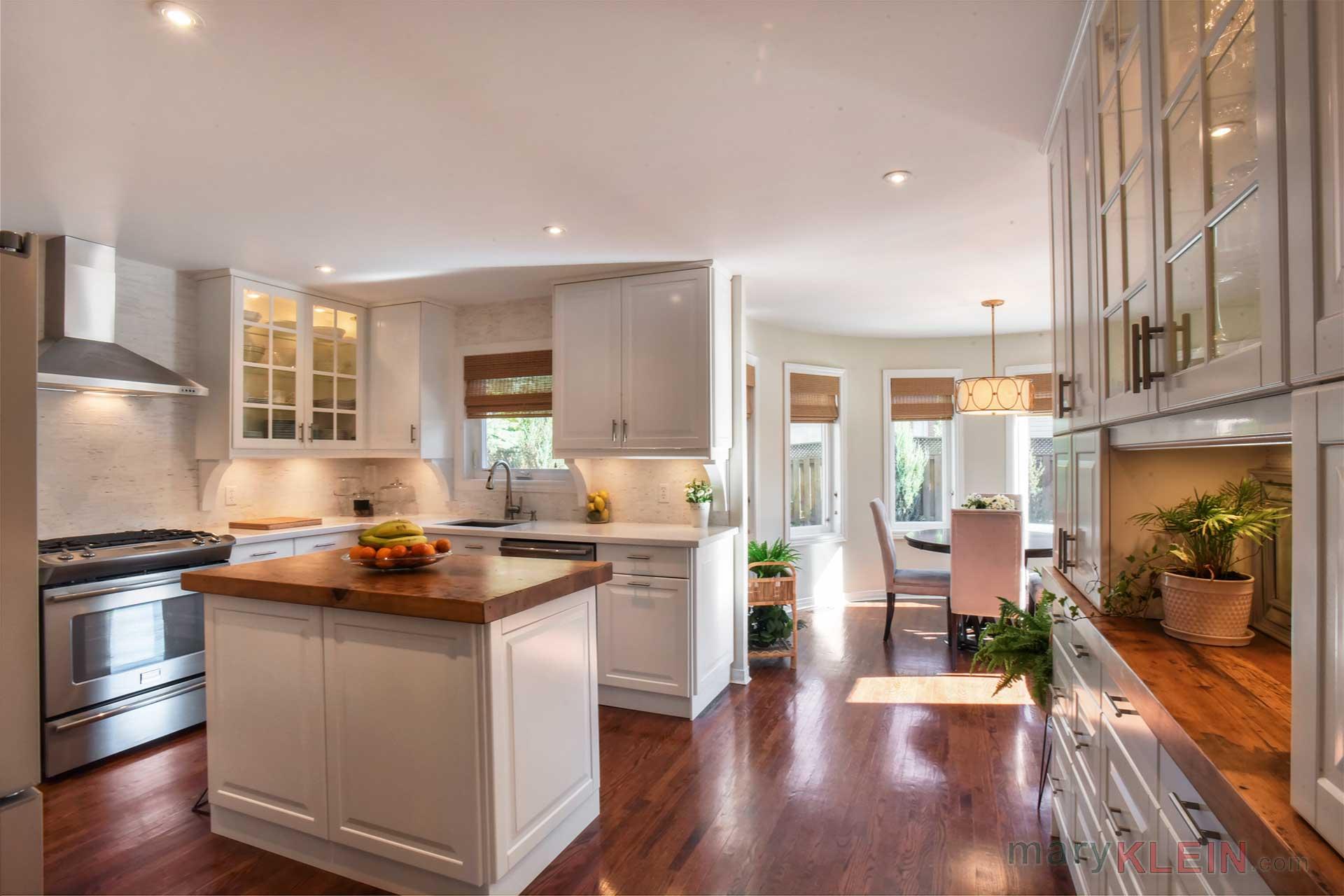 Renovated Kitchen, Quartz Countertops, Pot LIghting