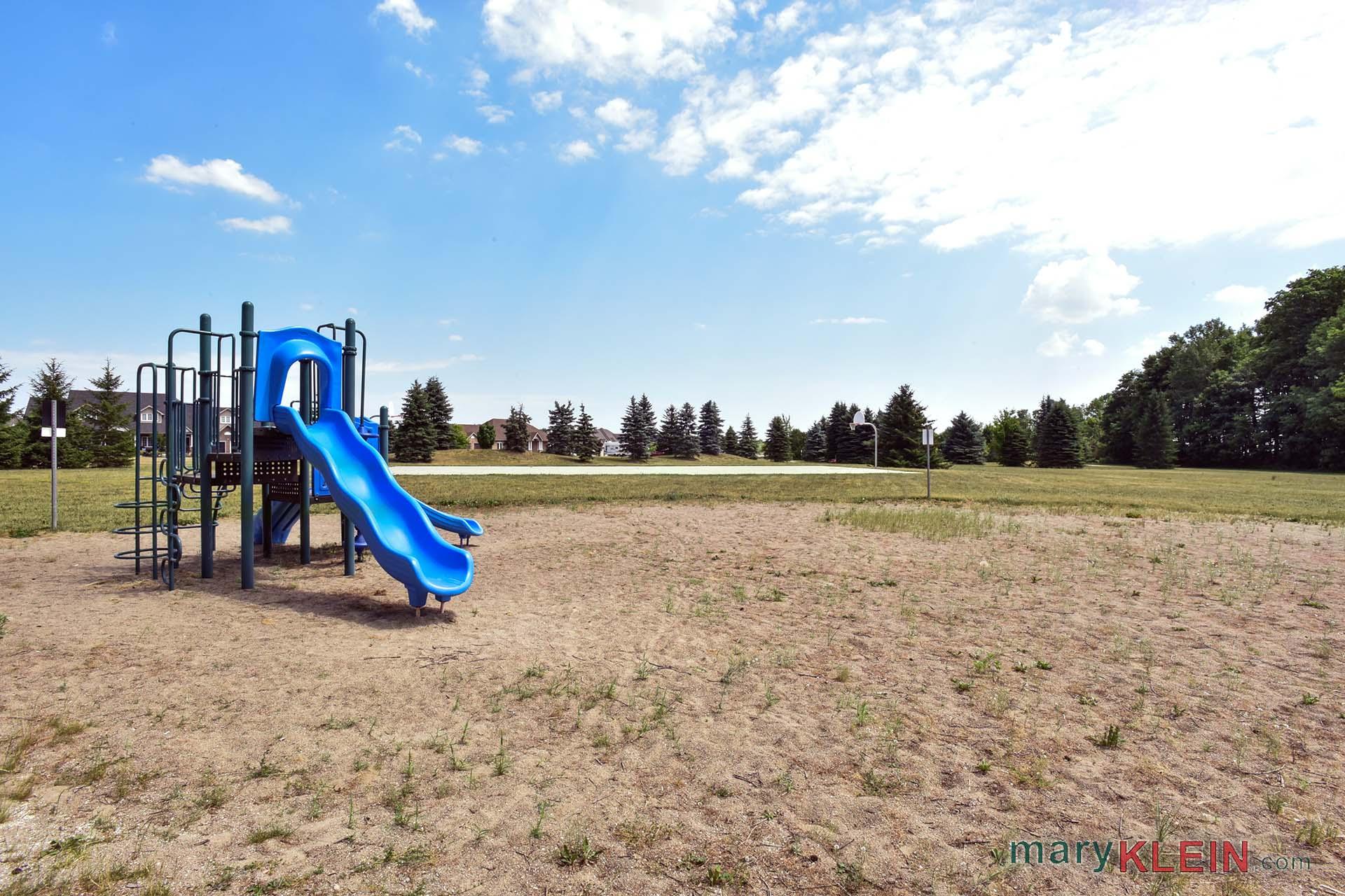 somerville park, mansfield ridge estate subdivision, childrens playground