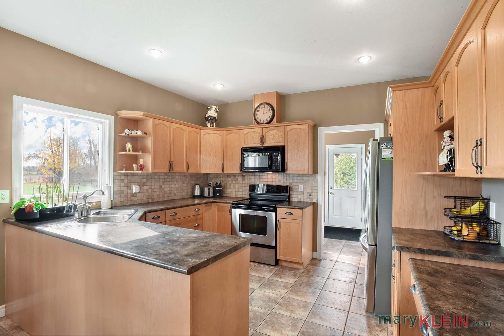 Kitchen, Desk, Pantry