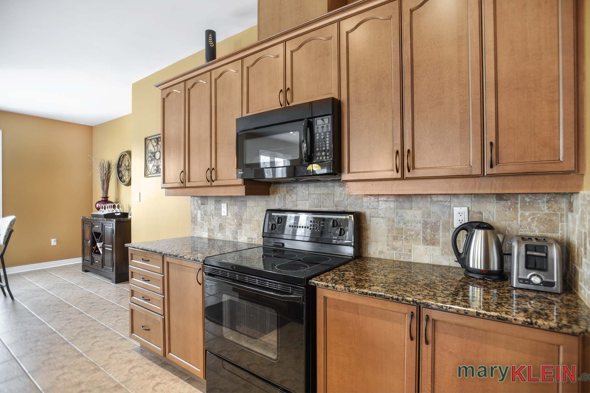 Maple Kitchen, granite countertop