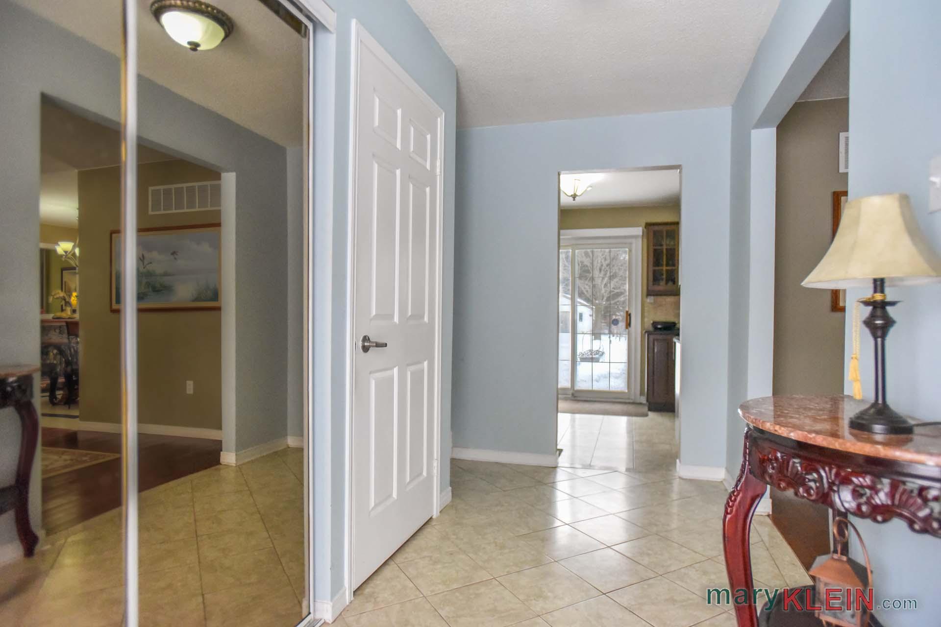 Foyer, Ceramic Flooring