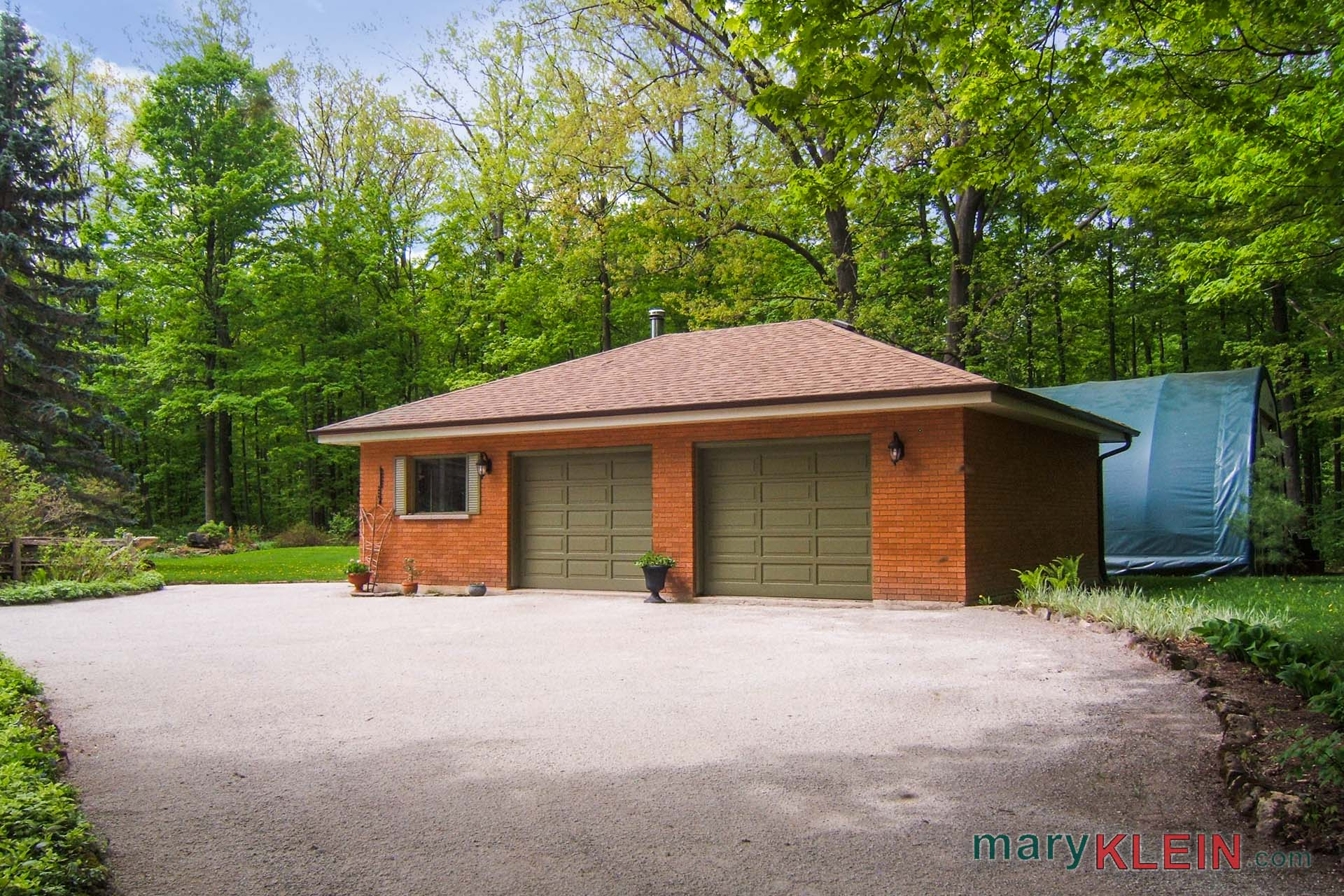 Detached 2 Car Garage, Wood stove, Quonset Dome