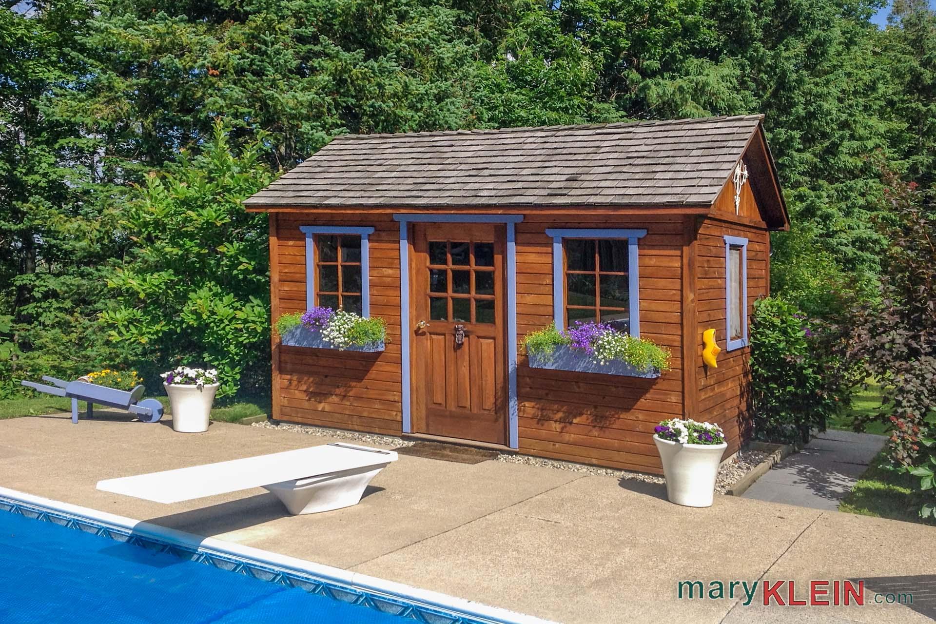 Pool house, Cabana